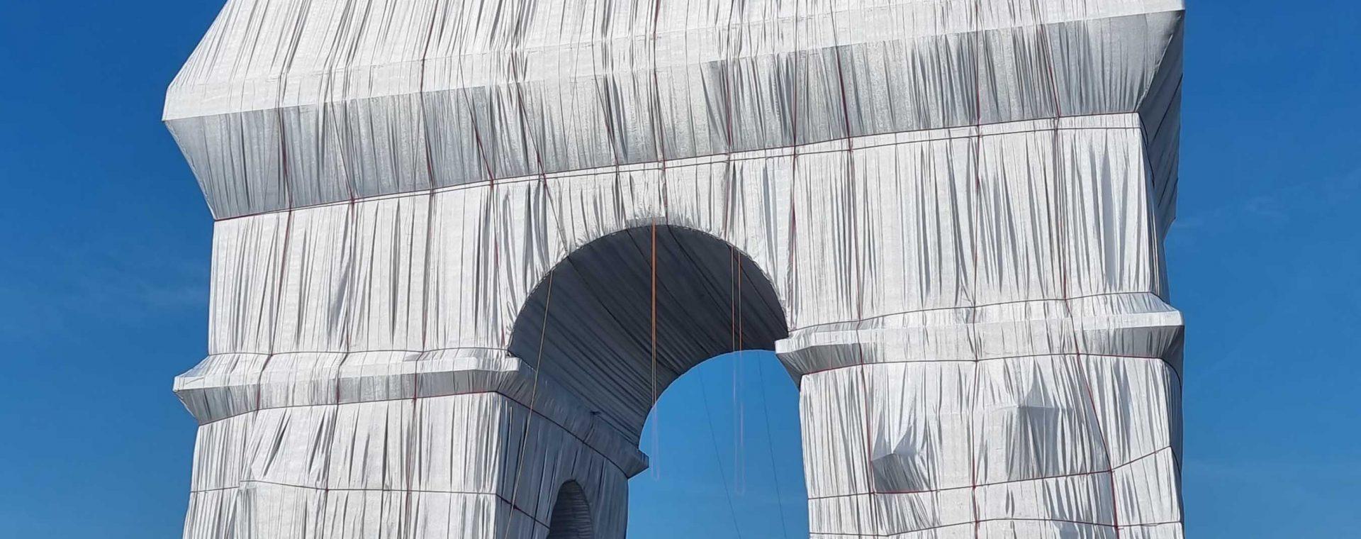 Header / Christos & Jeanne-Claudes Triumphbogen